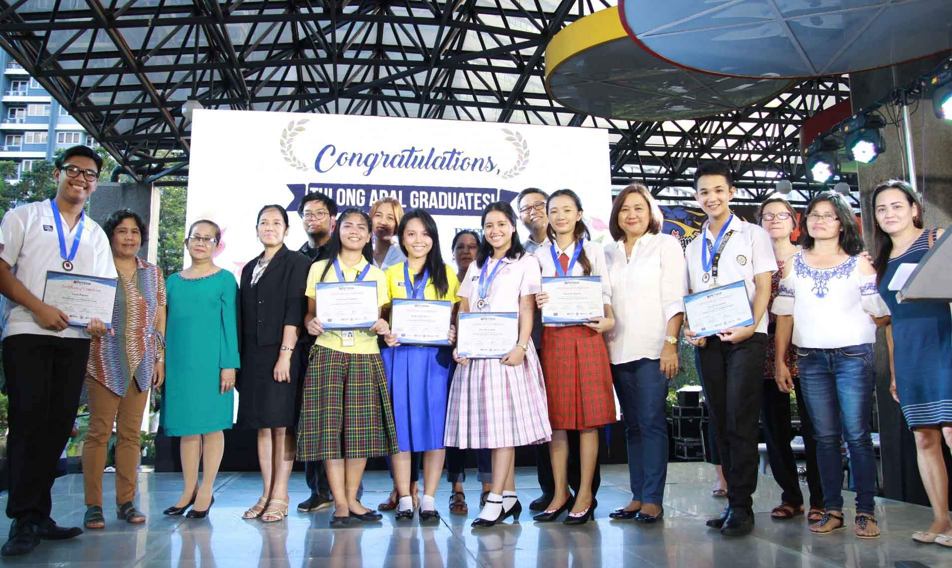 Petron Honors over 400 Graduating Tulong Aral Scholars